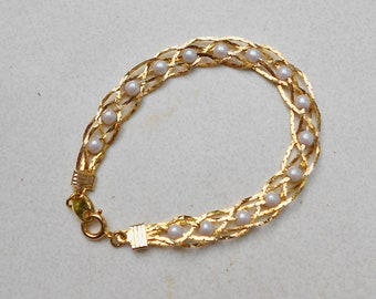 Vintage Avon Bracelet Gold Tone Chain Braided Faux Pearl 1980s jewelry Silver plated, gold metal