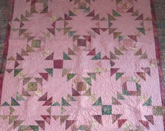 Triangle Quilt by ERA Boutique