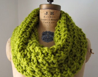 Chunky knit Cowl Chartreuse. Infinity scarf.