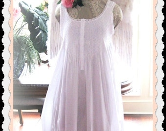Country French BILLOWY white smocked 100 % cotton GOWN