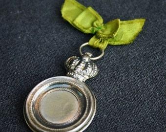 Precious silver pendant.