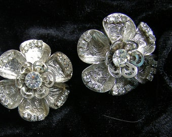 1/2 PRICE SALE Vintage Silver Etched &  Filigree Petal Clip On Earrings