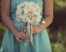 Vintage Wedding, Vintage, Brooch Bridal Bouquet, Bouquets, Shabby WEDDING, Cottage Chic, Shabby Chic, Country, Buttons, Brooches, Burlap.