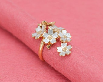 Japanese cherry blossom - adjustable ring -  Sakura flowers - free-size swing ring - gold and silver combination - feminine design