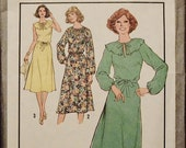XXL 1970s Vintage Simplicity Dress Pattern / Plus Size / Knee-Length / Pullover
