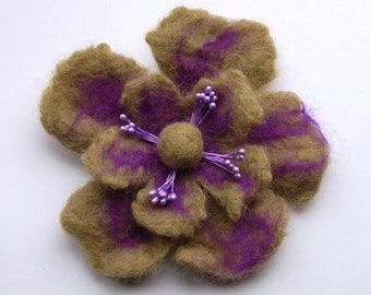 Felt flower brooch pin, wet felted wool flower brooch jewelry, sand with lila, felt flower hair clip, flower felt pin, purple corsage