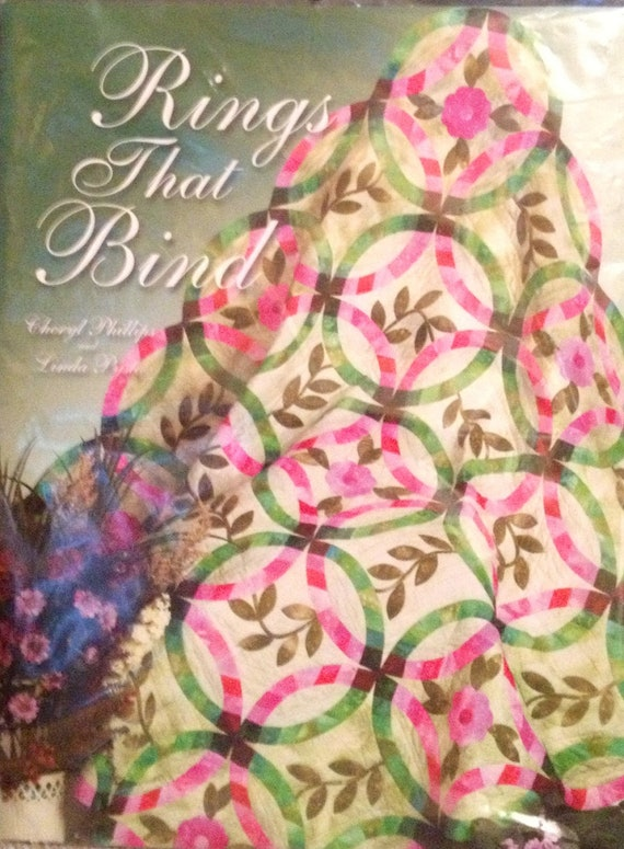 sale rings that bind quilt pattern by by queencottonfabrics. Black Bedroom Furniture Sets. Home Design Ideas