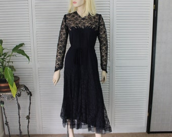 Vintage 1920s-1940s Navy Blue Lace Long Dress Size Small/ Medium