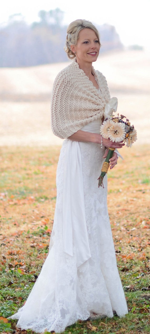Wedding Shawl/Ivory Shawl/Rustic Wedding/Wedding Shrug/Fall Wedding/Bridal Shawl/Bride Cape/Country Wedding/Bridal Accessory/Summer Wedding