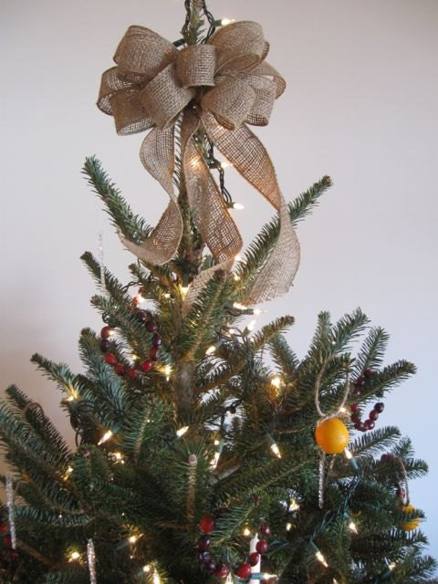 burlap tree topper bow burlap bow christmas tree topper. Black Bedroom Furniture Sets. Home Design Ideas