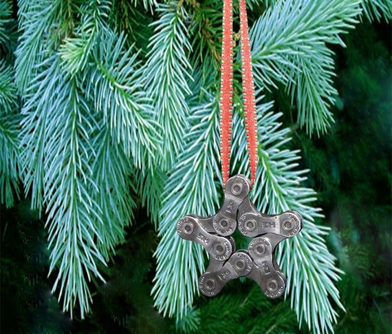Bike Chain Star Ornament    - FREE GIFT WRAPPING  -  Christmas Ornament