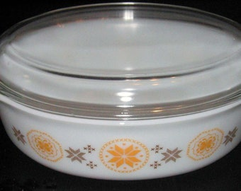 Pyrex Town Country Casserole Glass Lid 1.5 Quarts 1960s Orange Brown Vintage Mid Century Kitchen Bake Ware
