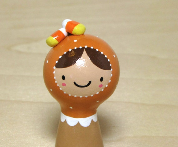 Halloween Candy Corn Plini Figurine
