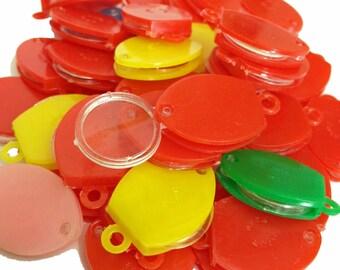 4pcs PLASTIC MAGNIFIER CHARMS 1960s Vintage