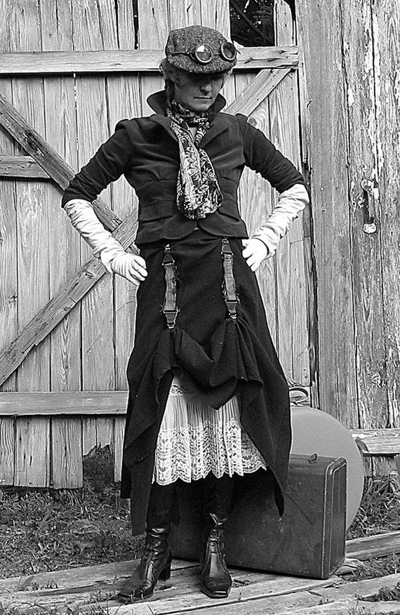 Garment Clip Pair use to hike lift runch shorten gird up garter fasten steampunk accessory