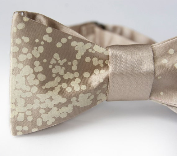 """Champagne bow tie. Freestyle bubbly bowtie. """"Champagne Wishes and Caviar Dreams."""" Celebrate in style."""