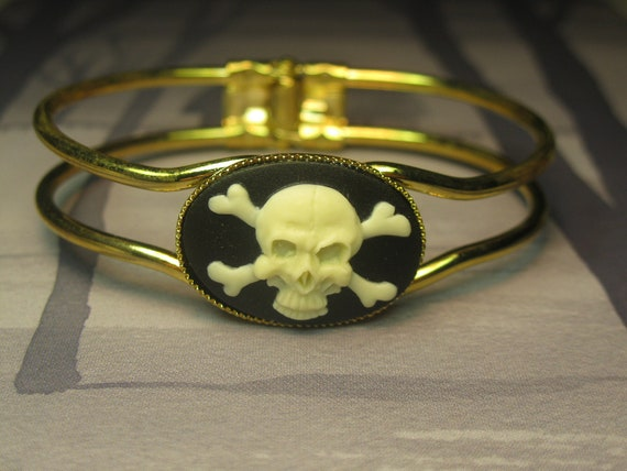SaLe - IVORY Skull and Crossbone Cameo Hinged Bracelet