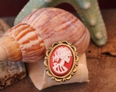 Dead Lady Ring Adjustable Red and White
