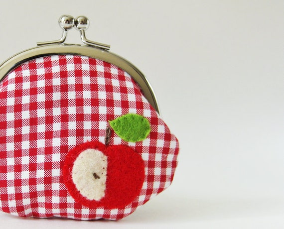 Coin purse retro apple on red gingham