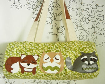 Stewart the Owl Grayson the Fox Kyle the Raccoon Woodland Animals Floral Cotton Canvas Duffel Tote Bag Purse with Vinyl Applique