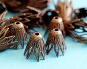 Top Quality Lead Free 24pcs 9mm Antique Copper Filigree Bell Beads Caps KK-B518-R
