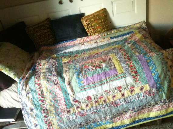 OOAK Funky Log Cabin Shabby Chic Twin Size Hand Tied Scrap Quilt Made From Vintage Feedsack Fabrics