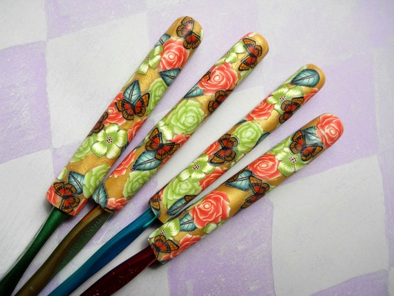 Crochet Hook Set of Four, Polymer Clay Floral in Lime and Orange, Bates