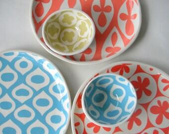 Handmde Ceramic Round serving tray Grapefruit Gothic pattern