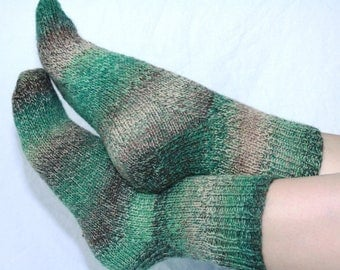Women's 7-9 Ankle Socks Hand-knit by Janie Bull, Calla Lilly