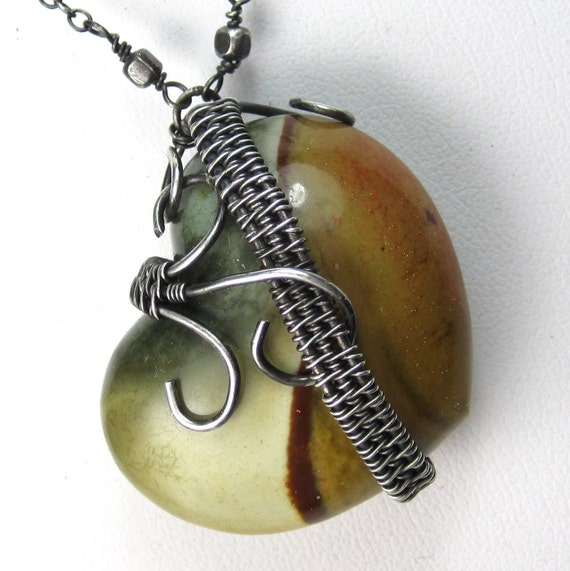 A Tangled Wandering Heart Necklace