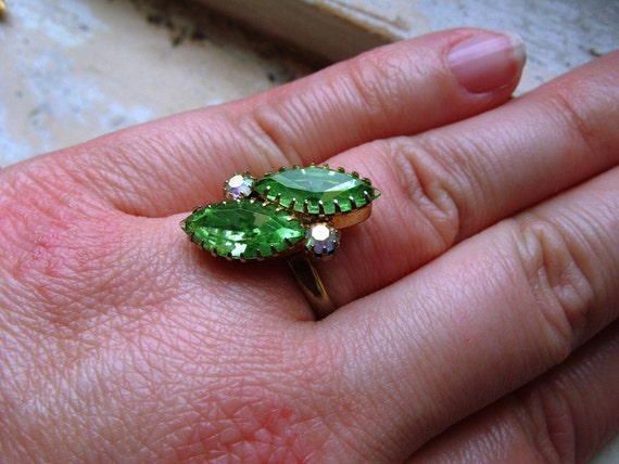 FREE SHIPPING Vintage Ring Green Marquise Rhinestone with Aurora Borealis Accents