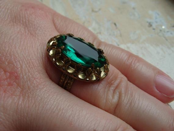 FREE SHIPPING Vintage Ring Green Rhinestone Adjustable Band