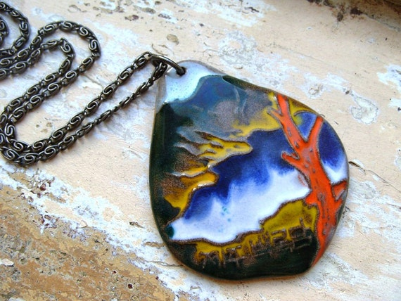 FREE SHIPPING Vintage Asian Style Pottery Pendant