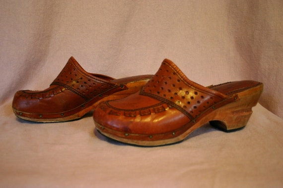 Vintage 70's Brick Red / Brown Leather CLOG Wedge heel SHOES - size 6 M