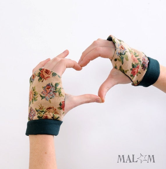 Beige Fingerless gloves - Floral Tapestry Fingerless gloves - Green and Beige gauntlets