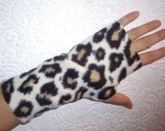 Fingerless Texting Gloves - Fleece Hand Warmers - Leopard Print
