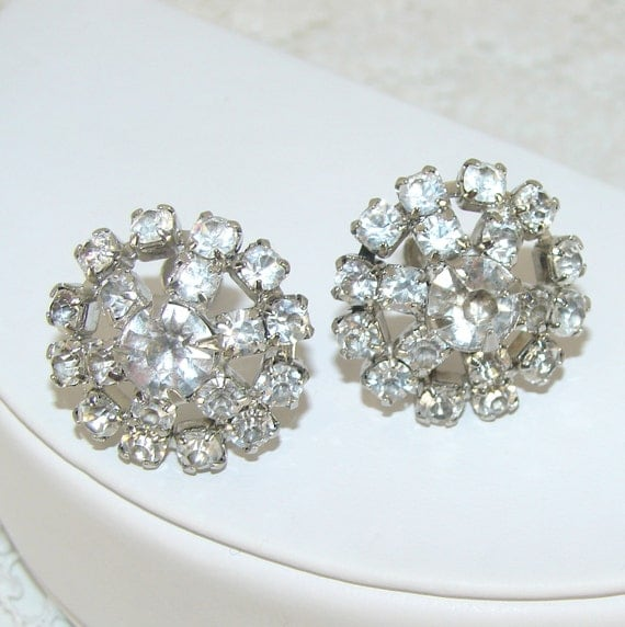 Wedding Earrings Rhinestone Jewelry Round Flower Design Screw Back Vintage 1950s
