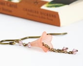 Beaded Bookmark, Brass Bookmark, Pale Peach, Gift For Book Lover, Flower Bookmark, Peach Bookmark, Gift For Mom, Gift For Friend