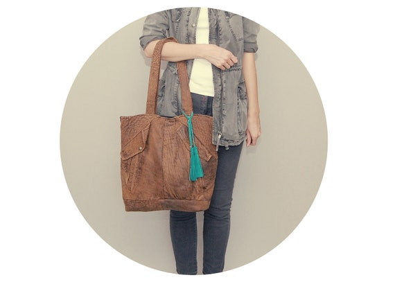MARKET TOTE /// brown leather and teal tassel