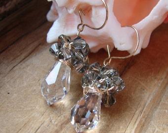 Swarovski crystal Earrings, Chandalier Earrings, Bridal Earrings, Crystal Drop Earrings, Valentine Earrings, Special Occasion Earrings