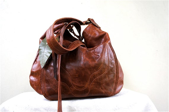SAMPLE///Southwestern Agatha///in Distressed Dark Chestnut Leather with Adjustable Strap