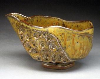 Spouted Stoneware Sake or Tea Serving Bowl (Katakuchi)