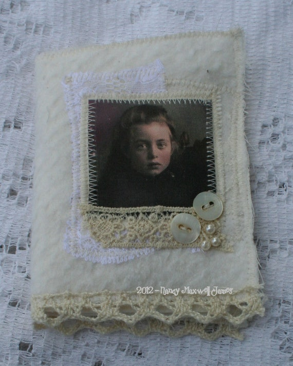 Miss Twilight Firefly Little Needle Case
