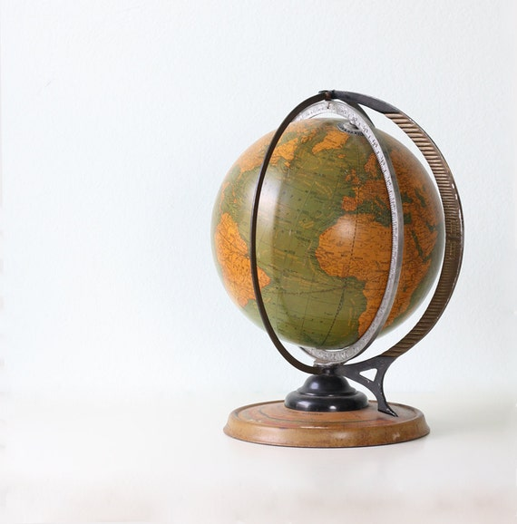 Vintage Cram's Globe - with Daily Sun Ray and Season Indicator