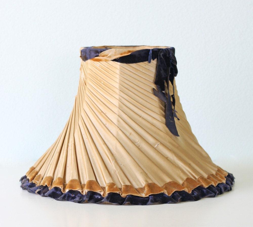 Vintage Lamp Shades: Vintage Lamp Shade By Bellalulu On Etsy