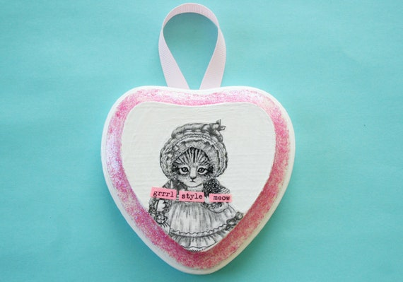 One of a Kind Glitter Heart-shaped Riot Grrrl Cat Wall Hanging
