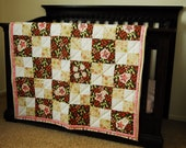 EARTHY APPLIQUE QUILT - pink & green leaves