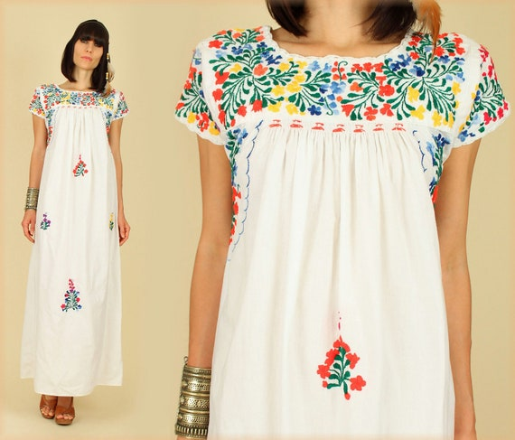 ViNtAgE 70's Oaxacan Floral Embroidered Handmade Maxi Mexican Wedding Dress