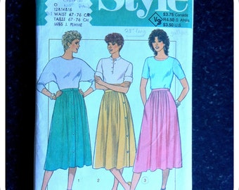 Vintage Paper Pattern - STYLE - 3916 - 1970s / 1980s - Misses' Set of Skirts