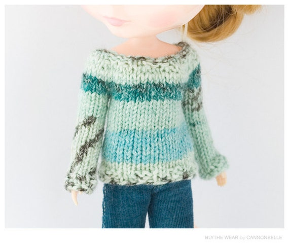 Patterned Sweater for Blythe in Blue and Green tones